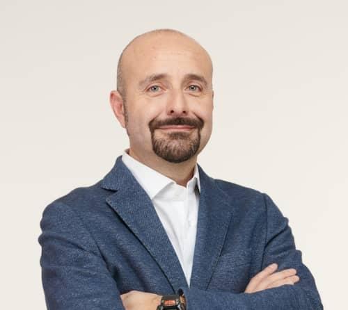 Mario Carrella Commerciale Triveneta Pose